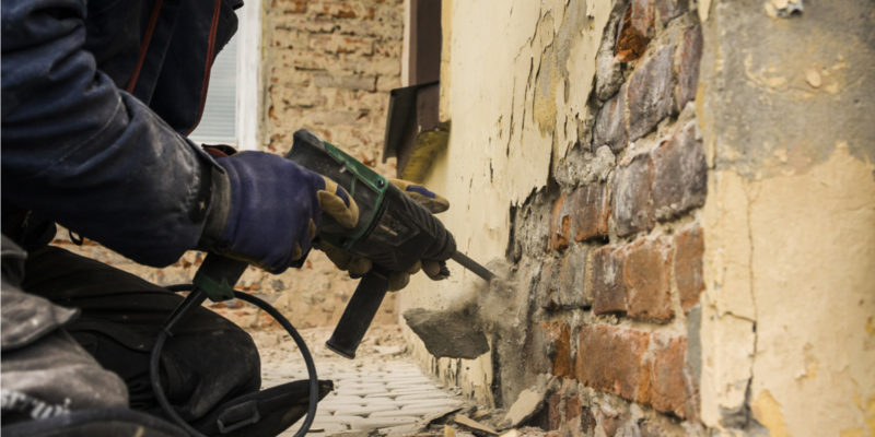 Tips to Remove Stubborn Brick Stains Without Damaging Surfaces