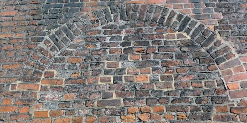 Bowing Brick Wall Repair What Causes It How To Fix It Tuck Pointing Brick And Chimney Repair Toronto Turnbull Masonry Ltd