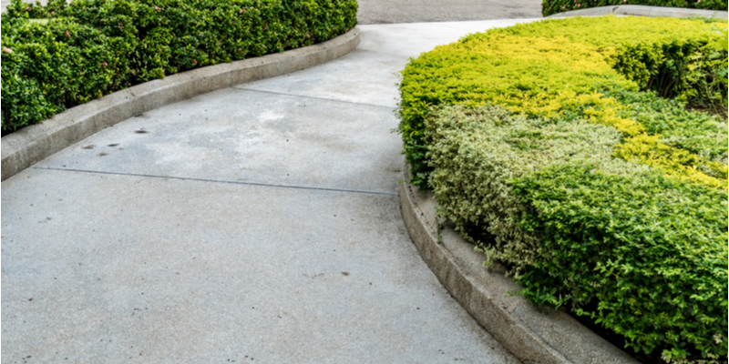Pros and Cons of Concrete vs Brick Walkways in Toronto